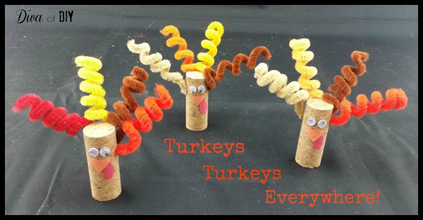 Small children gain such self esteem from making something they are proud of! Easy Thanksgiving crafts for kids are the perfect addition to your kids table!