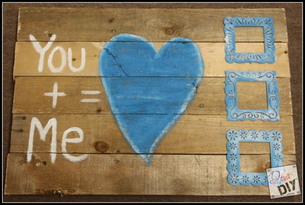 What's not to like about a pallet wood sign? If you're looking for a reclaimed barn wood look this sign is perfect! Great as a Valentine gift or wall decor!