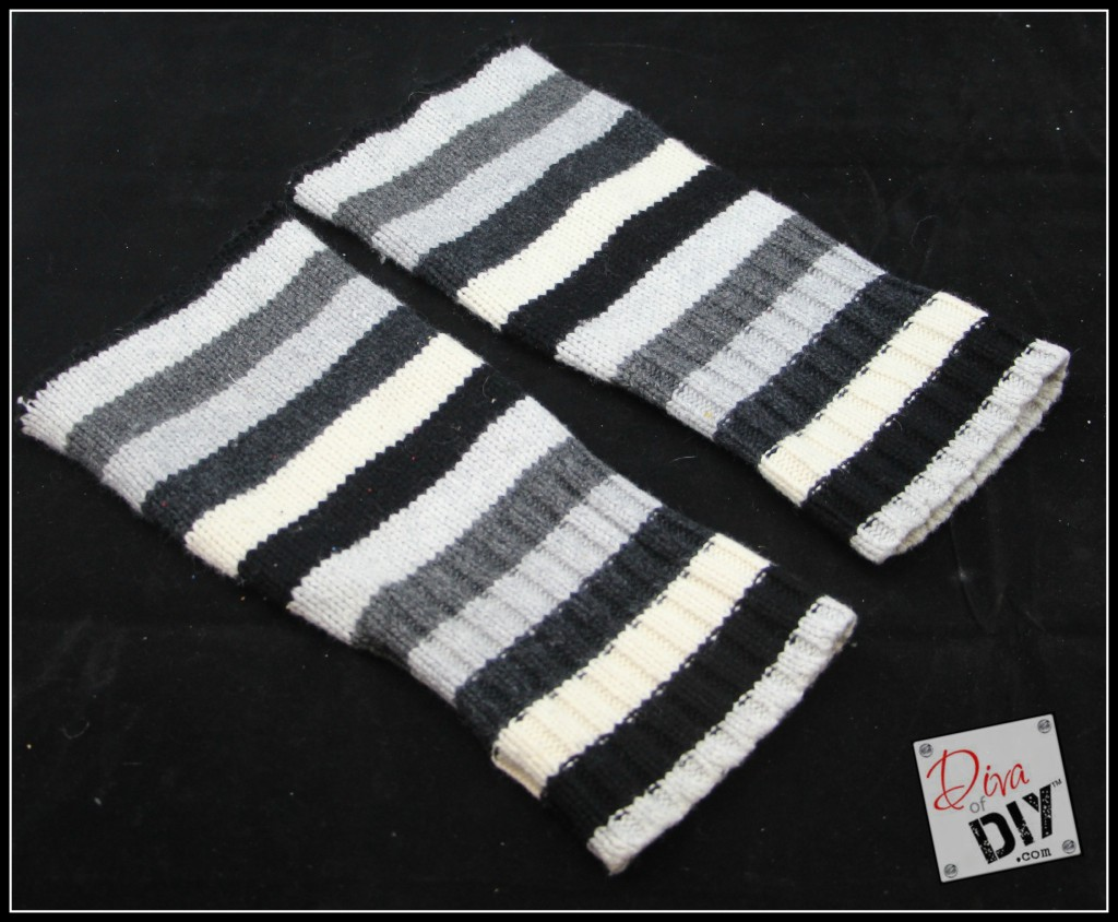 Love the look of boot socks but not the bulk or expense? These DIY no sew boot socks are the perfect solution! Grab some old sweaters and get started!