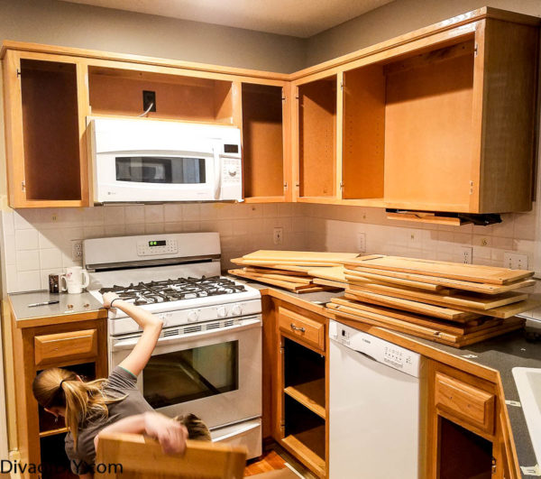 Paint Kitchen Cabinets White Like A Pro: Oak Cabinet Makeover: How To Paint Like A Professional