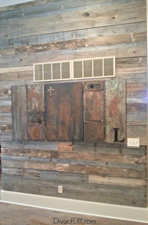 Pallet Wood Is The Perfect Subsution For Reclaimed Barn This Diy Rustic Wall