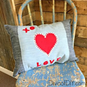 Don't sew? These No Sew Pillows are a quick and easy way to create Valentine's Day decor from a fabric placemat! Quick and Easy Valentine's Day Decorations