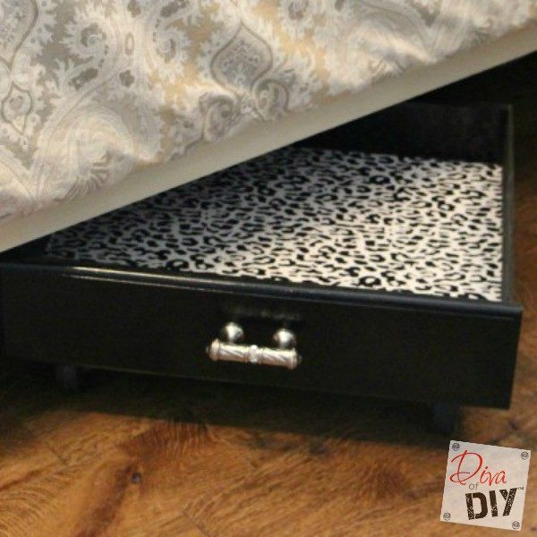 Who can't use more storage? These easy and stylish rolling drawers make a great under bed storage solution. Extra DIY storage ideas for small spaces!