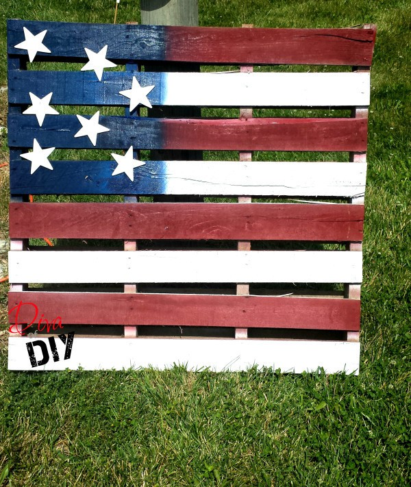 How to make an easy diy american flag pallet decoration for American flag decoration