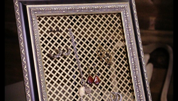 Diva of diy for Make your own jewelry rack