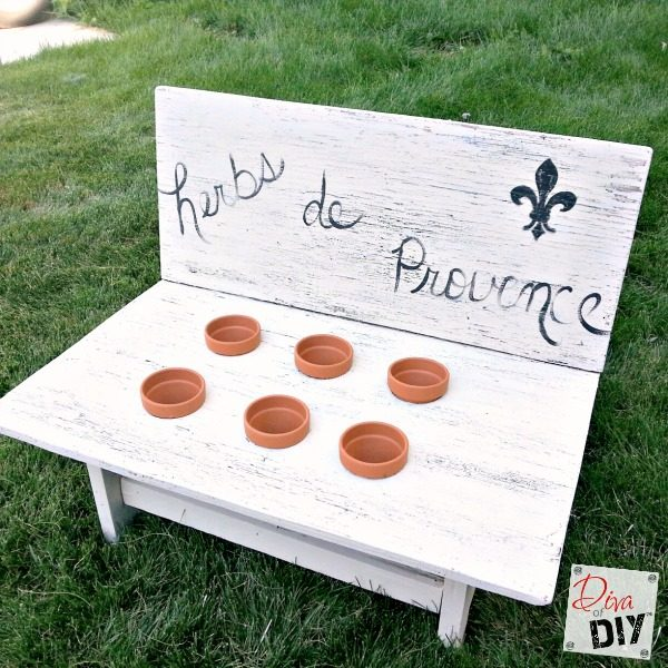This herb garden bench will allow you to grow herbs outside during warm months and transport indoors during winter. That's a herb garden all year round!