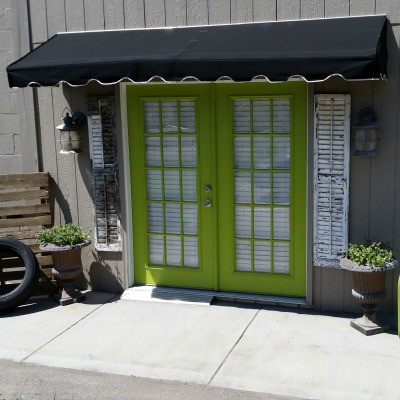 Paint your Front Door: How to Easily Update Your Curb Appeal