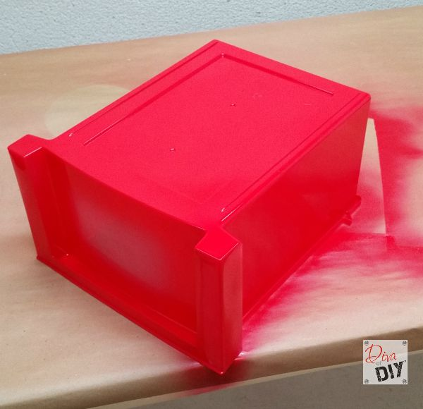 Quick and Easy Plastic Storage Container Makeover Diva of DIY