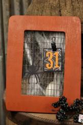 Halloween decorations | easy calendar frame