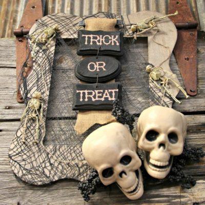 Halloween Wreath: How to Make a Spooky Skull Wreath