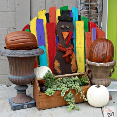 Turkey Tom: How to Make a Pallet Turkey to Greet Guests
