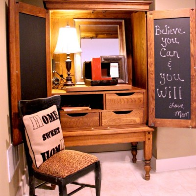 How to Put a Useful Memo Chalkboard on a Cabinet Door