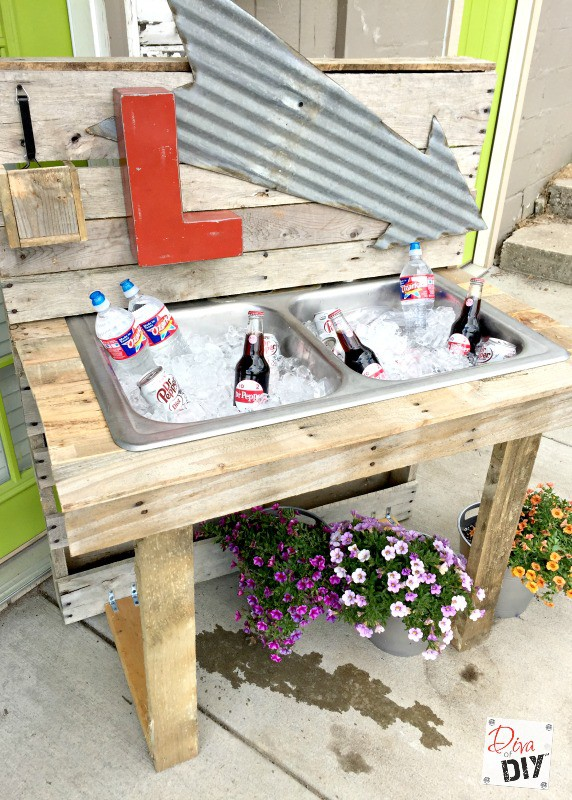 Rustic Outdoor Drinking Stations Are The Perfect Detail, From Formal  Weddings To Informal Backyard Get