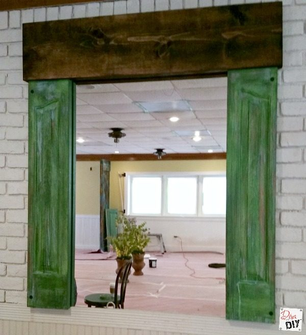 Add rustic charm instantly with the look of DIY patina. Learn how easy it is to add character to any surface with this metal paint patina look idea.