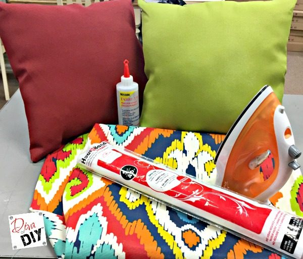 Looking For Quick Outdoor Decorative Pillows? With This Easy Tutorial Take  Boring Pillows And Turn