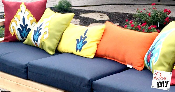 How to Make Decorative No Sew Outdoor Throw Pillows Diva ...