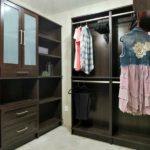 woodtrac-closet-system-master-closet