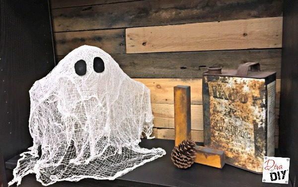 Make your own diy Cheesecloth Ghosts for your Halloween decorations. This is an easy Halloween kids craft and what kid doesn't like a DIY Halloween ghost!