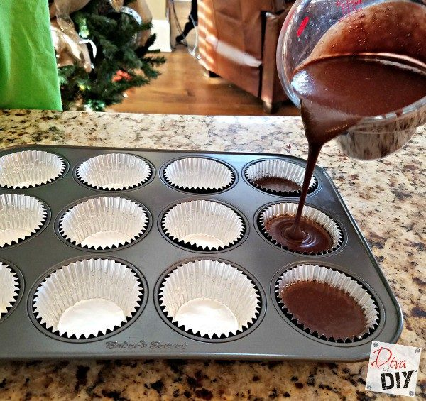 This coca cola cake is perfect for the non baker! Two ingredients, bake and decorate! Decorate them to match your Christmas Decorations! Rustic Cupcakes!