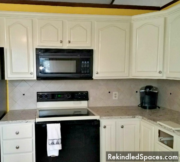 Simple White Kitchen Cabinets: Easy Painting Project For Your Kitchen Cabinets