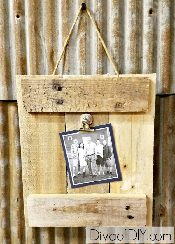 DIY Picture Frame Made Out of Pallet Wood | Diva of DIY