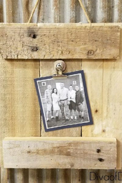 DIY Picture Frame Made Out of Pallet Wood