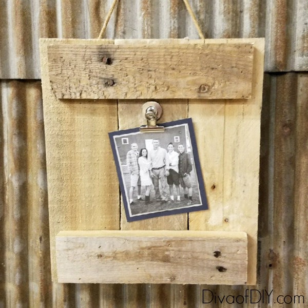 pallet-photo-frame-feature | Diva of DIY