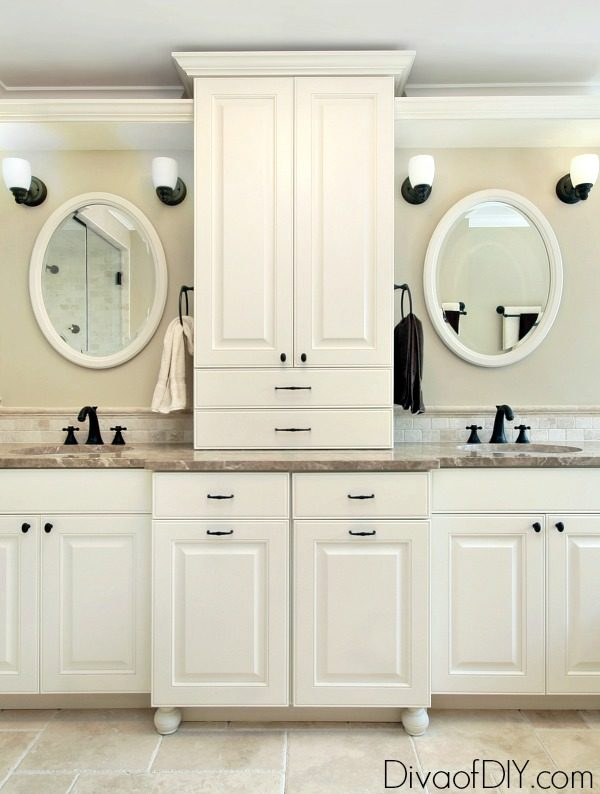 Bathroom vanity diy! These 5 steps to update your bathroom vanity give it great updated look without doing a full bathroom remodel. A quick bathroom redo!