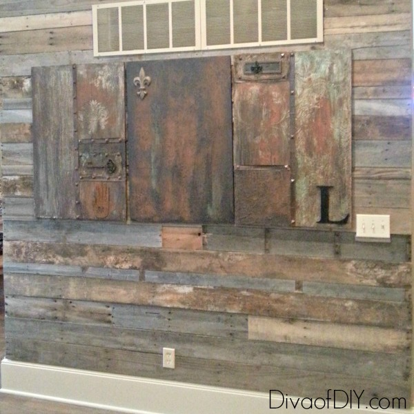 how to make a pallet wall using free pallet wood. Black Bedroom Furniture Sets. Home Design Ideas
