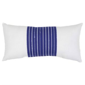 These outdoor pillows are the perfect accessory to this outdoor patio set