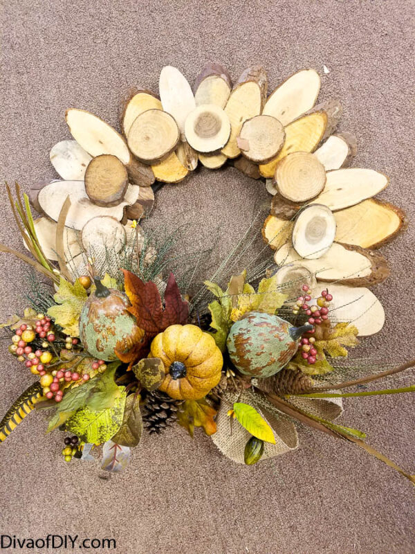 Quick and Easy DIY Fall Craft Using Log Slices